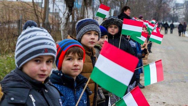 Уряд Орбана на першому засіданні ухвалив меморандум захисту закарпатських угорців