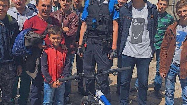 Львівський велопатруль допоміг школяру з Болехова розшукати туристичну групу