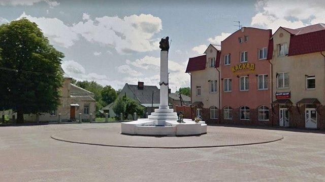 31-річний чоловік спалив прапори України на пам'ятнику жертвам репресій у Городку