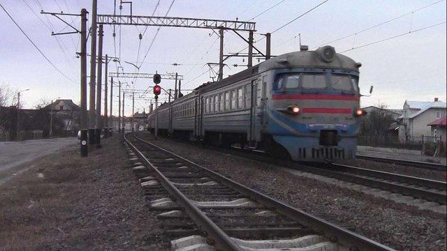 Через крадіжку контактної мережі на Львівщині було заблоковано рух трьох електричок
