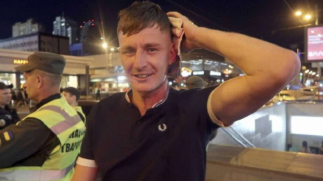 Невідомі у масках напали на фанатів «Ліверпуля» у Києві