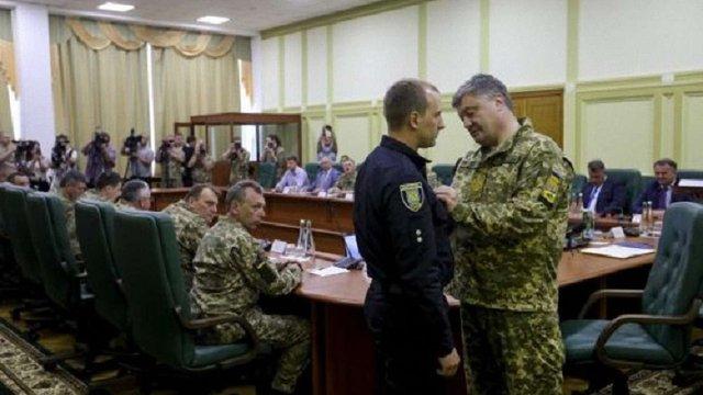 Прокуратура закрила провадження щодо львівського патрульного, який вистрілив у порушника