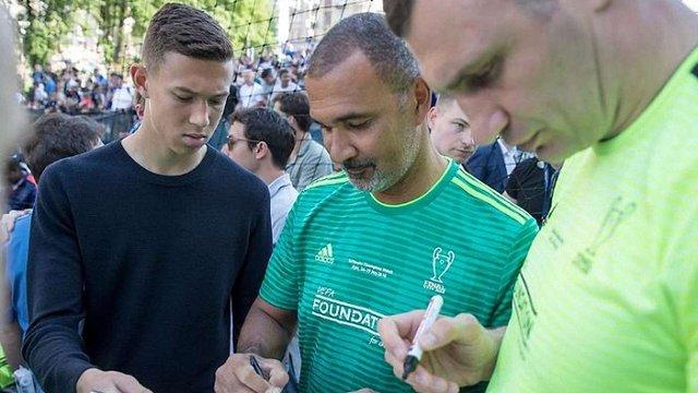 Зірки світового футболу підписали звернення з вимогою звільнити Сенцова