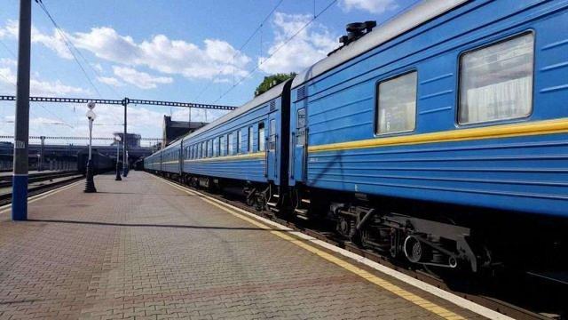 «Укрзалізниця» запустить поїзд між центральною Україною та Прикарпаттям