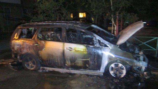 Невідомі спалили машину місцевого прокурора в Ужгороді