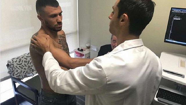 Боксер Василь Ломаченко отримав травму і не вийде на ринг у серпні