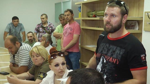 У Львові активісти напали на в.о. керівника центру для учасників бойових дій