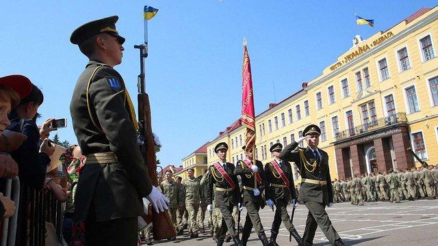 В Академії сухопутних військ у Львові відсвяткували випуск понад 330-и офіцерів ЗСУ