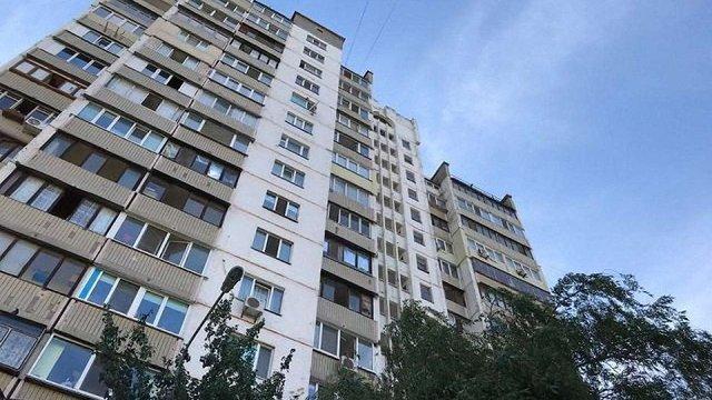 У Києві пенсіонерка залишилась живою після падіння кабіни ліфта з 10 поверху