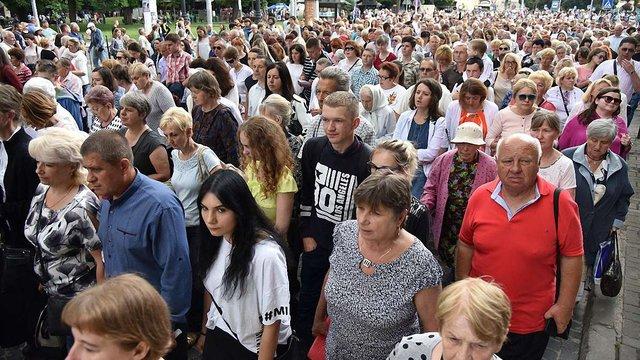 Римо- та греко-католики Львова провели дві молитовні ходи
