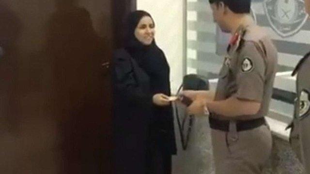 У Саудівській Аравії жінка вперше в історії отримала водійські права