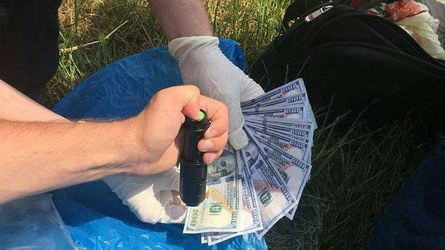 На Львівщині голова сільради вимагав у ветерана війни на Донбасі $2,5 тис. хабара