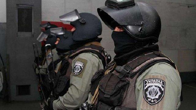 Попри обіцянки Авакова поліцейських досі неможливо ідентифікувати за номером жетону або шолома