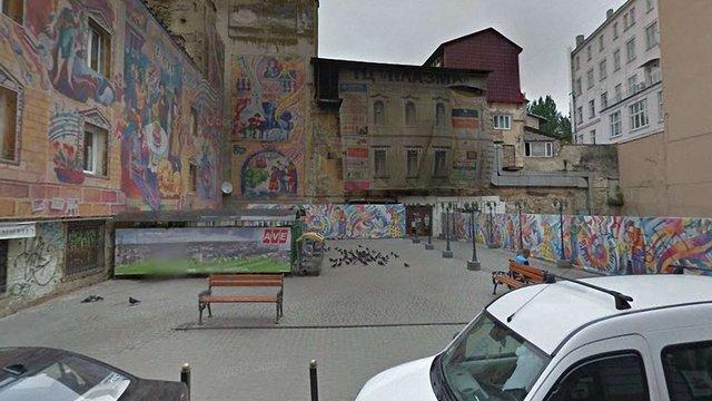 На вул. Банківській у центрі Львова планують збудувати багаторівневий паркінг