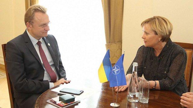 Мер Львова обговорив небезпеку «Північного потоку-2» із високопосадовицею НАТО