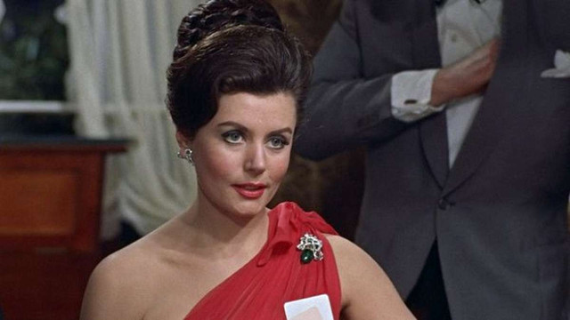 Померла британська акторка – перша дівчина Джеймса Бонда