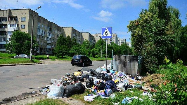 Тарифи на вивезення сміття для мешканців Дрогобича зросли на 275%