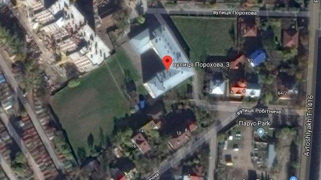 На території класичної гімназії у Львові облаштують міні-футбольне поле та вуличні тренажери