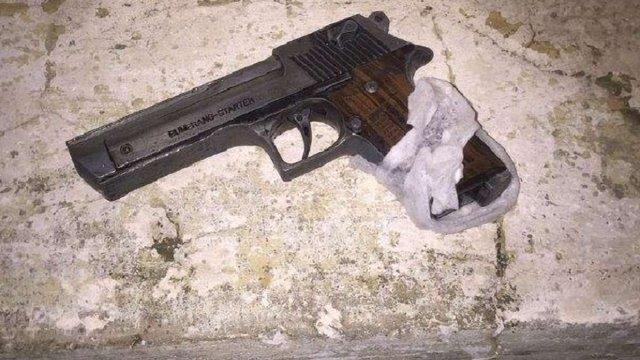 У Львові затримали чоловіка, який погрожував перехожим зброєю