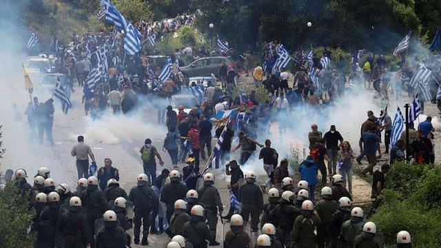 У Греції відбулися протести і сутички після підписання угоди з Македонією