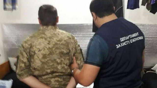 Підполковника ЗСУ затримали за вимагання хабара у підлеглого