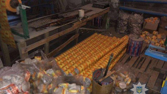 У Буському районі викрили міні-завод з фальсифікації туалетного паперу