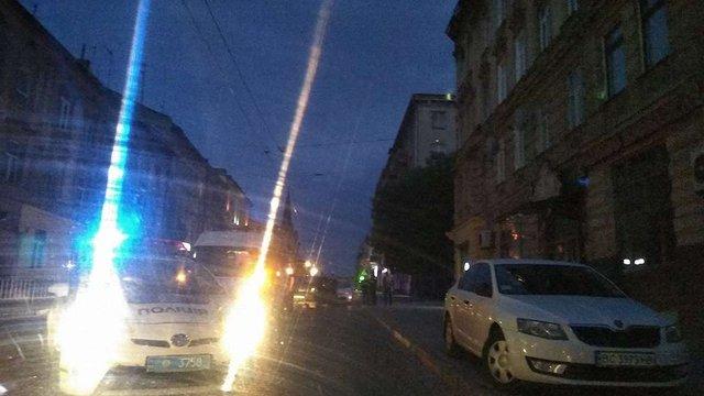 Внаслідок наїзду авто у Львові нетвереза 27-річна жінка потрапила до реанімації