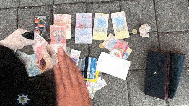 У Львові затримали двох наркоділків за збут метадону