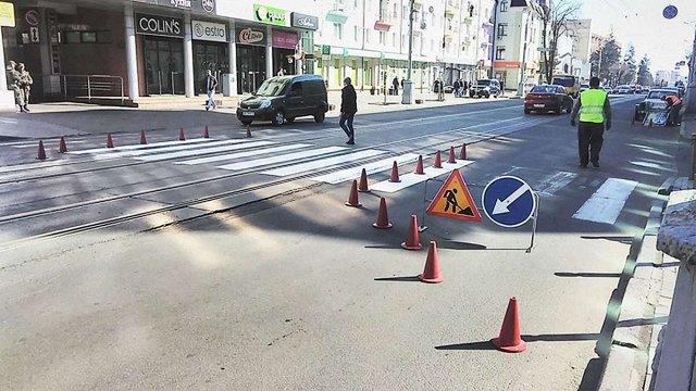 В українських містах та селах звузять смуги руху на вулицях