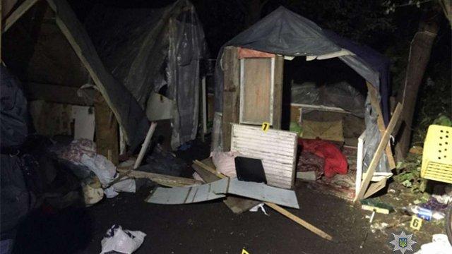 Циганський табір на Пасічній підпалили невідомі люди у чорному