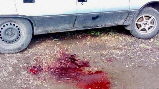 У припаркованому у Солонці автомобілі виявили закривавлений труп чоловіка