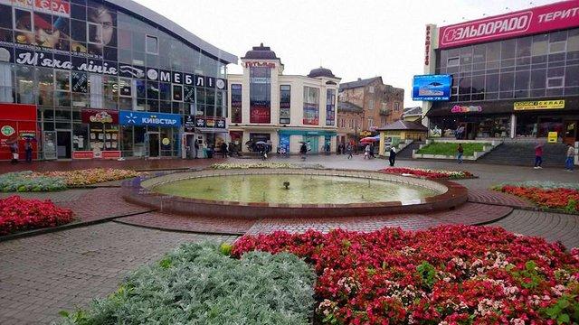 Злодії пошкодили фонтан у центрі Дрогобича на ₴100 тис., викравши з нього латунні розприскувачі