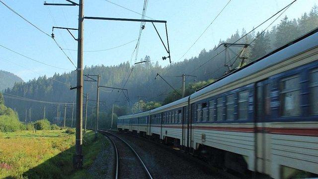 Приміський поїзд Стрий-Мукачево матиме нову зупинку у селі Опорець
