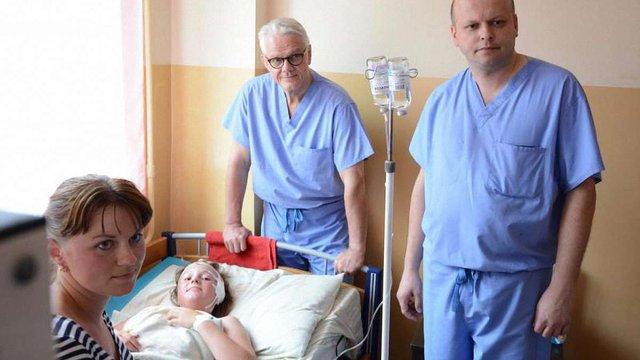 У Львові канадські лікарі прооперували вісьмох дітей