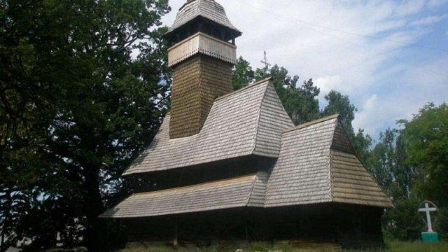 Буревій на Закарпатті пошкодив одну з найстаріших дерев'яних церков України і Європи