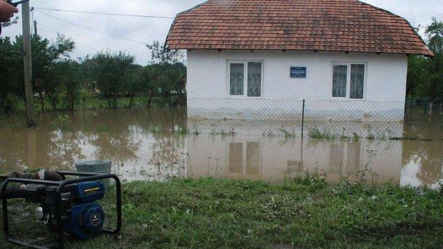 Від негоди постраждали три райони Львівської області