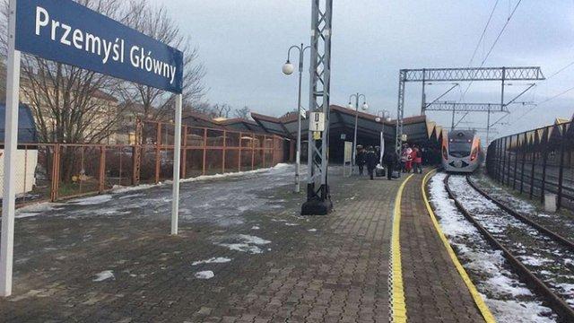Польська залізниця запустить потяг Перемишль–Берлін через наплив пасажирів з України