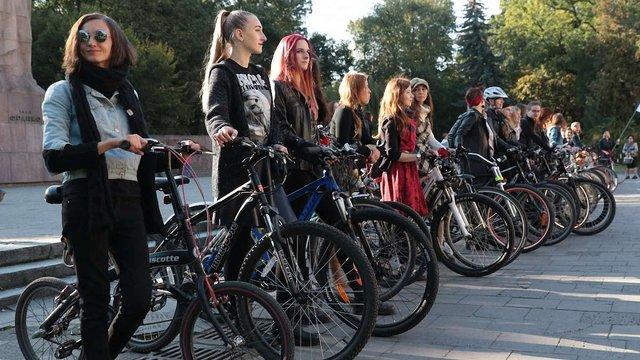 У Львові відбудеться жіночий велопарад у стилі 90-х