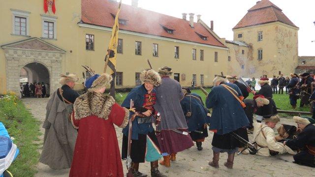 Козаки двічі брали штурмом Жовківський замок під час фестивалю Gazon Party
