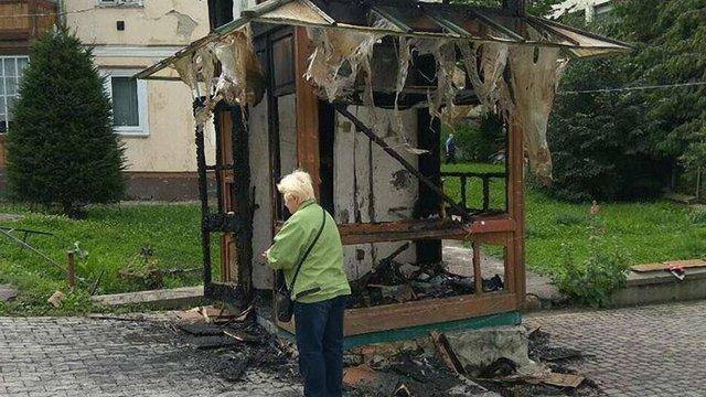 Вночі у центрі Трускавця згорів газетний кіоск