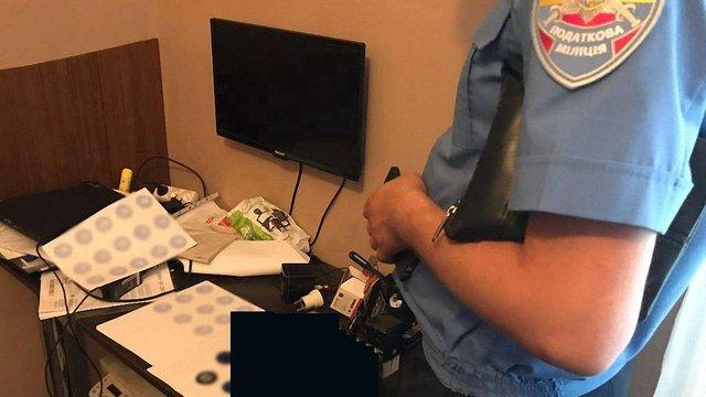Податківці ліквідували у Львові конвертцентр з обігом у ₴80 млн