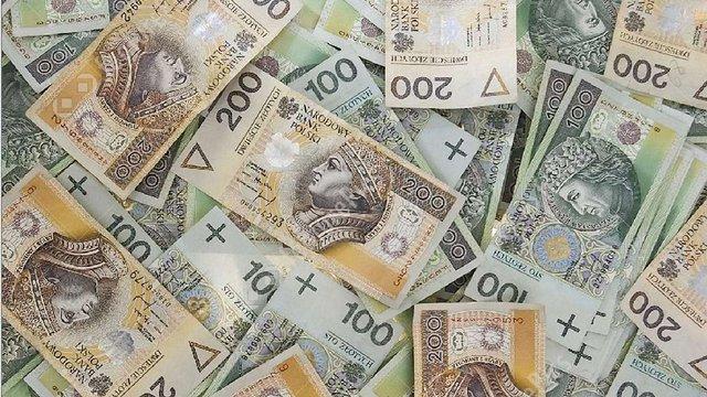 Обсяг валютних переказів з Польщі в Україну зріс на 45%