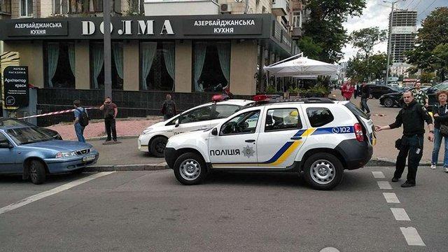 Біля ресторану азербайджанської кухні у Києві невідомий розстріляв людину