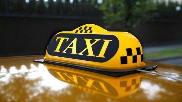 Неадекватний пасажир намагався задушити таксиста на Тернопільщині