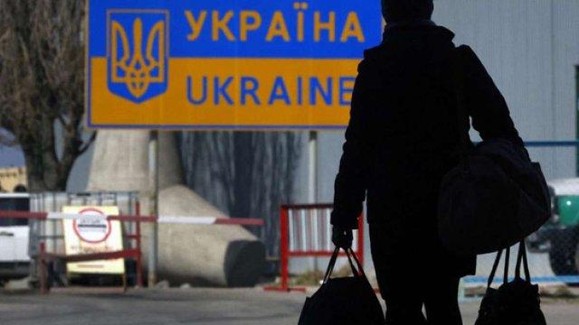 Більшість поляків схвально ставиться до прийняття біженців з України