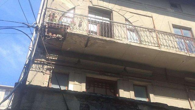 В Івано-Франківську після обвалу балкону померла 87-літня жителька