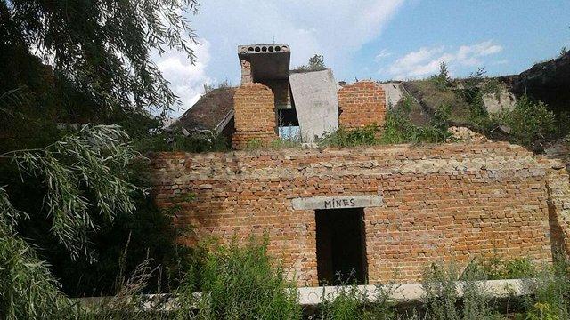 Троє дітей загинули внаслідок падіння бетонної плити в Ніжині