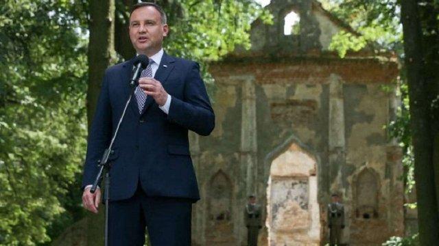 Анджей Дуда закликав українців їхати до Польщі подорожувати і заробляти
