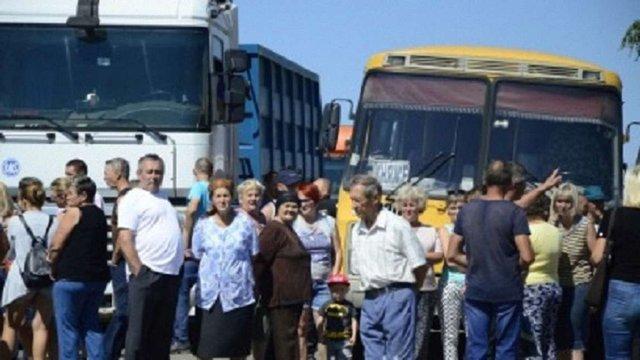 На Сокальщині мешканці перекрили рух транспорту через аварійний стан дороги