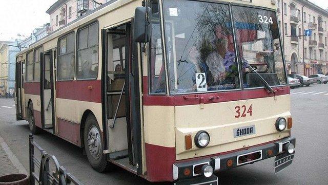 Кондукторку тролейбуса у Чернівцях оштрафували на 3000 грн за негідну поведінку